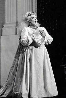 at Aix en Provence Festival in 1980 : Sémiramide from Rossini. @https://www.flickr.com/photos/germanuncut77/152573365/